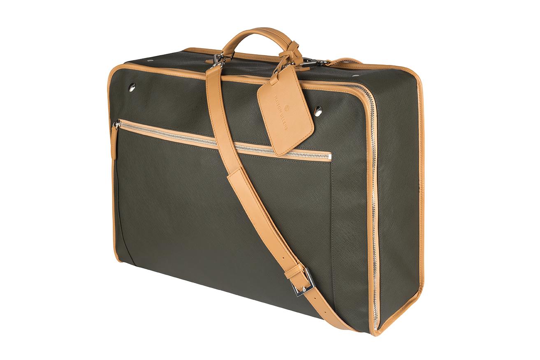 9e75415e5a4da C est la pièce à emporter avec soi en vacances pour rapporter plein de  souvenirs. Finis les vieux sacs moches achetés en urgence !