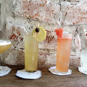 Quatre cocktails de l'été préparés par Carina