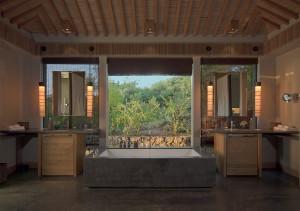 16-Noi-Pool-Pavilion-Bathroom