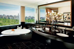 new-york-suite-room-oriental-suite-bathroom