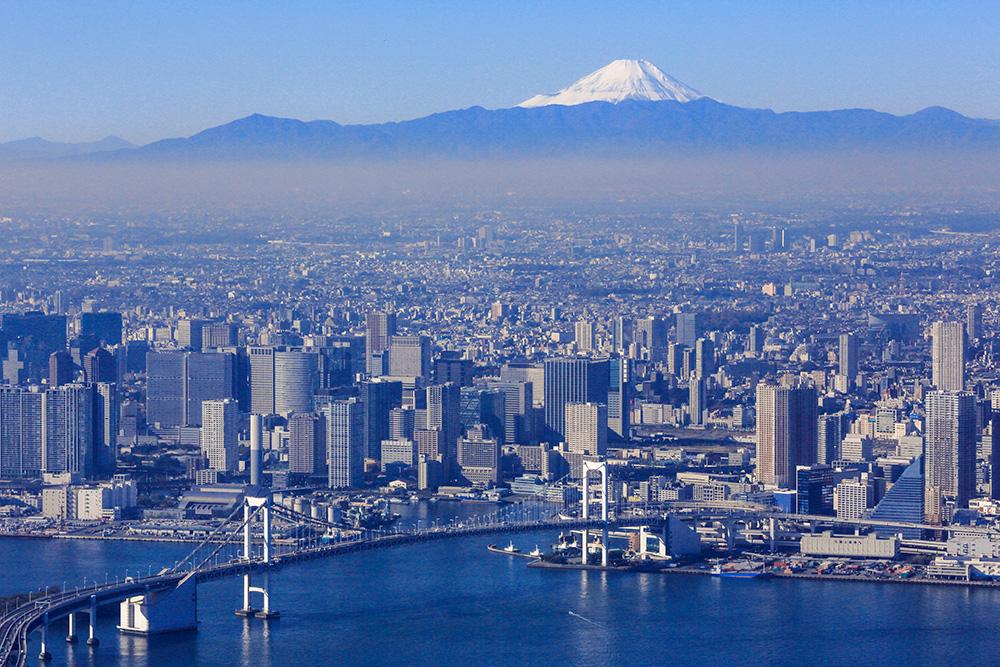 La baie de Tokyo et le mont Fuji