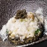À La Bouitte, chez René et Maxime Meilleur, l'authenticité fait recette. Avec 3 étoiles au Michelin, le patrimoine culinaire savoyard y est sublimé depuis quarante ans. la-bouitte.com