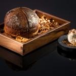 À Vals en Suisse, le chef Sven Wassmer, du 7132 Silver Restaurant, dresse ses plats comme des tableaux et sa cuisine compte 2 étoiles au Michelin. 7132.com.