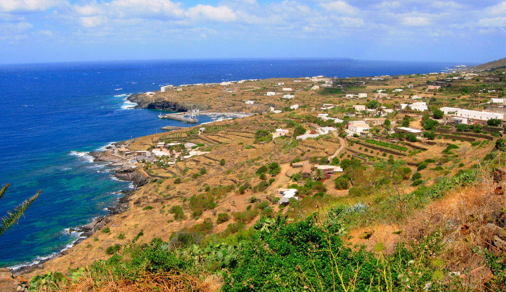 Pantelleria_sulla_Costa